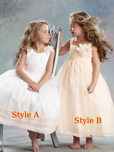 Sleeveless Chiffon Bateau Flower Gown Ball Tea-length Hand Flower Girl Dress