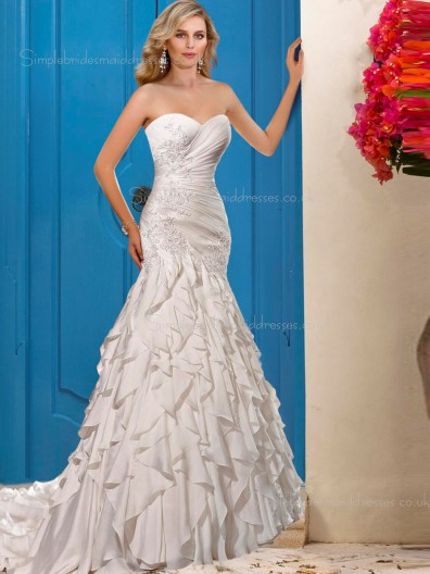 A-line Chiffon Ivory Sleeveless Sweetheart Applique Chapel Wedding Dress
