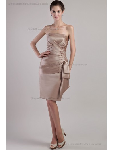 Sleeveless Natural Lace-up ?Sash Sheath Ruched Strapless Champagne Mini Satin Bridesmaid Dress