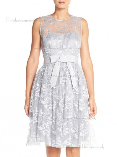 Elegant Applique Silver Tulle Knee-length Lace Bridesmaid Dresses