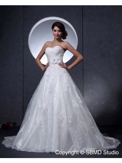 Ivory Sweetheart Chapel A-Line / Ball Gown Empire Lace Up Sleeveless Taffeta Applique / Beading Wedding Dress