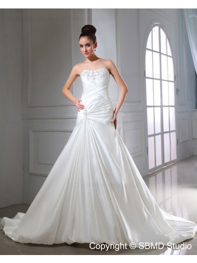 Sleeveless A-Line Sweetheart Ruffles / Beading / Applique Satin Chapel Ivory Lace Up Natural Wedding Dress