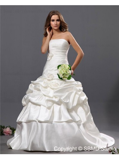Court Strapless / Zipper Natural Cascading-Ruffles / Hand Made Flowers A-Line Satin Bateau Ivory Sleeveless Wedding Dress