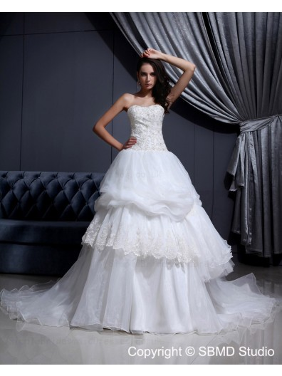 Applique / Beading / Cascading-Ruffles Ivory Sweetheart Cathedral Natural Sleeveless Satin / Organza A-line Lace Up Wedding Dress