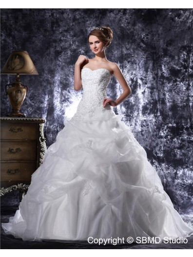 Sweetheart Chapel Ivory Natural Lace Up Sleeveless Organza / Satin Beading / Applique / Cascading-Ruffles A-Line / Ball Gown Wedding Dress