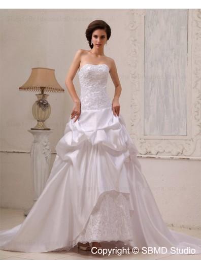 Sweetheart Lace / Cascading-Ruffles A-line Chapel Satin Ivory Sleeveless Natural Lace Up Wedding Dress