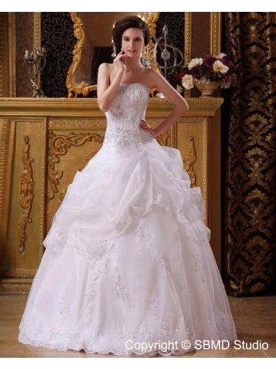 Sleeveless Floor-length Organza Natural Ivory Strapless / Bateau Lace Up A-Line / Ball Gown Applique / Beading / Cascading-Ruffles Wedding Dress