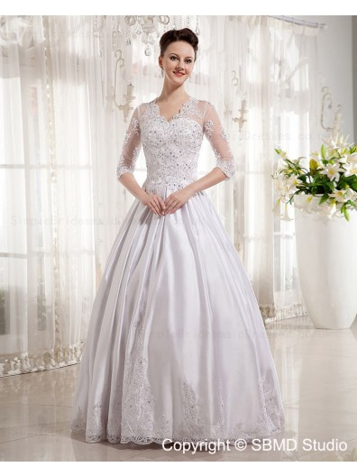 Satin Long Sleeve Chapel A-Line / Ball Gown Natural Applique / Lace / Beading V Neck Zipper Ivory Wedding Dress