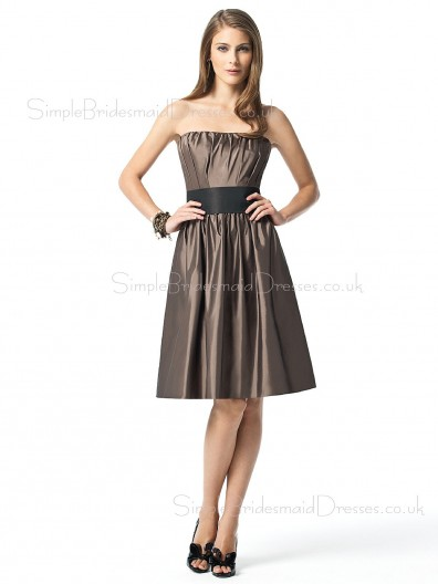 Knee-length Strapless Taffeta Draped/Ruffles/Sash Sleeveless Bridesmaid Dress
