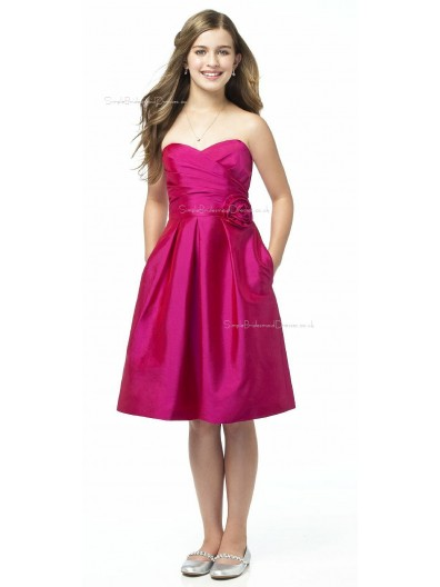 Satin Sweetheart Red Strapless Knee-length Junior Bridesmaid Dresses