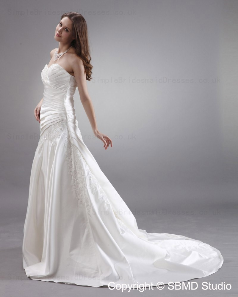 Satin Chapel Dropped Sleeveless Strapless Wedding Dress