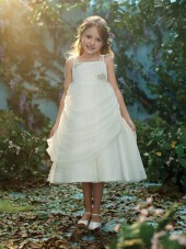 Applique / Beading Tea-length Ivory Sleeveless Bateau Chiffon A-line Flower Girl Dress