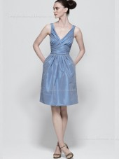 Zipper Ruffles/Bow A-line Taffeta Knee-length Sleeveless Blue Empire V-neck Bridesmaid Dress