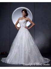 Ivory Sweetheart Chapel A-Line / Ball Gown Empire Lace Up Sleeveless Taffeta Applique / Beading Wedding Dress