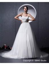 Sweetheart Sleeveless A-Line / Ball Gown Tull Chapel Zipper Ivory Empire Beading / Ruffles Wedding Dress