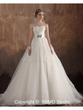Satin / Tulle Empire Lace Up Sleeveless Sweep A-line Sweetheart Ruffles / Applique / Beading Ivory Wedding Dress