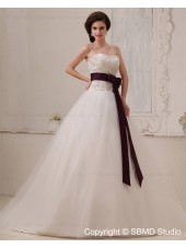 Natural Tull Zipper Chapel A-line Sweetheart Ivory Sleeveless Applique / Beading / Sash Wedding Dress