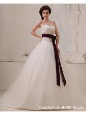 Natural Tull Zipper Chapel A-line Sweetheart Ivory Sleeveless Applique / Beading / Sash Wedding Dress