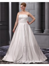 Bateau A-line / Plus Lace Up Sleeveless Sweep Natural Ivory Satin / Lace Size Embroidery / Beading Wedding Dress