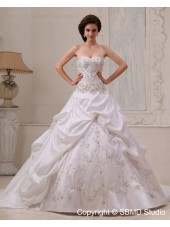 Lace Up Chapel A-Line / Ball Gown Sweetheart Beading / Ruffles / Embroidery Natural Satin Sleeveless Ivory Wedding Dress