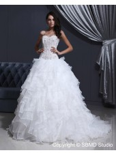 Natural Lace Up White A-line Sleeveless Organza / Tulle Strapless Sweep Applique / Beading / layering Wedding Dress