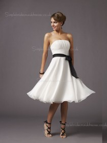 Sash/Ruffles White Knee-length Empire Sleeveless Zipper A-line Chiffon Bateau Bridesmaid Dress