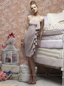 Knee-length Ruffles Chiffon Sleeveless Sheath Bridesmaid Dress