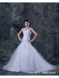Beading / Appliques Sleeveless A-Line Tulle / Satin Court Natural Ivory V Neck Zipper Wedding Dress