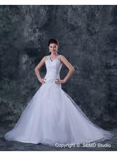 Beading / Appliques Sleeveless A-Line Tulle / Satin Court Natural Ivory V Neck Zipper Wedding Dress