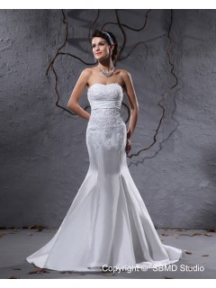 Taffeta Mermaid Ivory Court Sleeveless Applique / Beading / Ruffles Zipper Sweetheart Empire Wedding Dress
