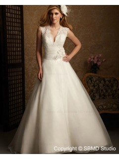 Lace / Tulle Chapel A-line Ruffles / Hand Made Flower Sleeveless V Neck Empire White Backless Wedding Dress