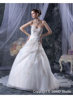 Floor-length Sleeveless Sweetheart Embroidery / Beading Organza / Satin Lace Up Ivory Natural A-Line / Ball Gown Wedding Dress