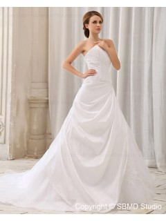 Court Zipper Ruffles / Applique / Beading Dropped Strapless Ivory Sleeveless Taffeta A-line Wedding Dress