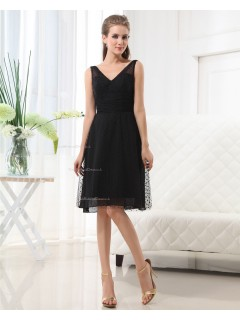 Knee-length Tulle Sleeveless V-neck Zipper A-line Black Ruffles Natural Bridesmaid Dress